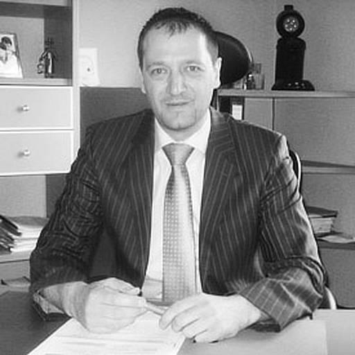 MICHAEL RIEHL